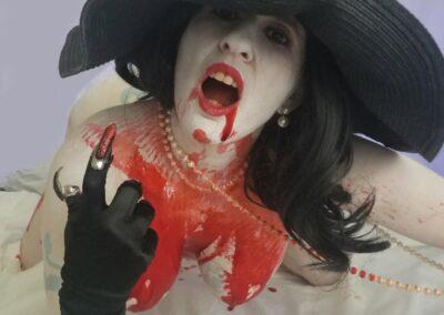 Lady Dimitrescu Bodypaint Cosplay | Daisy Chain Cosplay